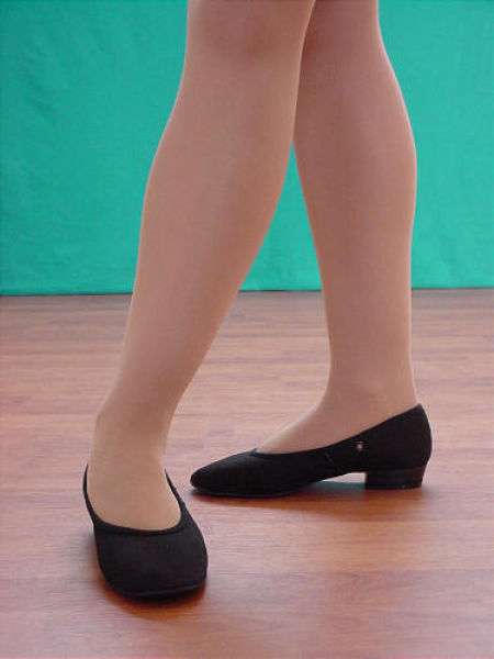 Black canvas character low heel